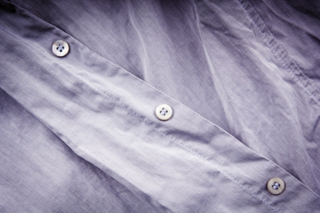 シャツのシワ