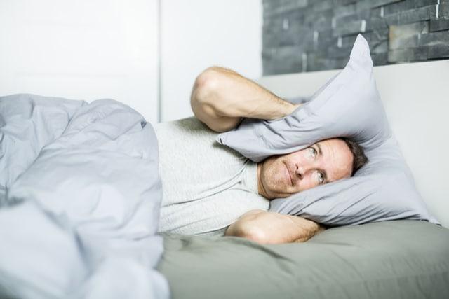 寝不足による生活リズムの乱れ